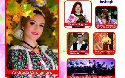 """Casa de Cultura a gazduit lansarea albumului """"Asculta, omule bun!"""" al tinerei soliste Andrada Circiunaru"""