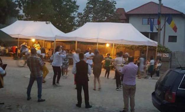 """""""Serbarea vecinilor"""", o petrecere unicat in Romania"""